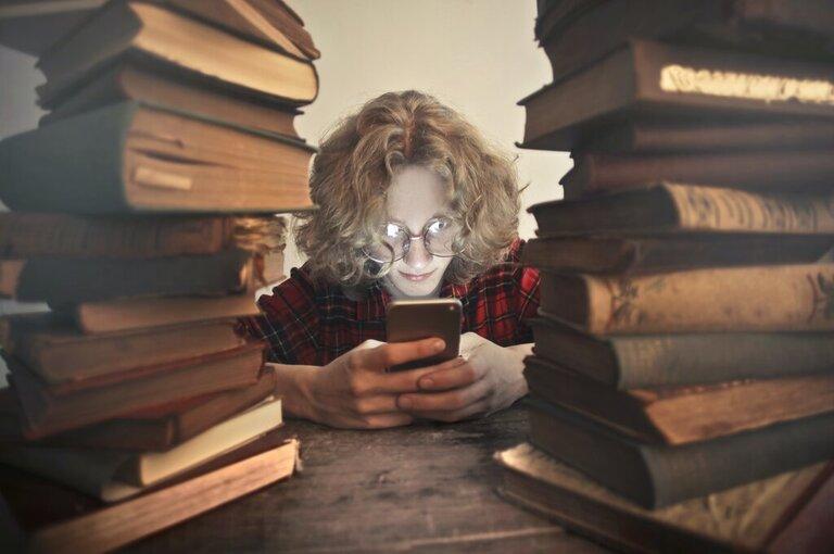 Student on social media